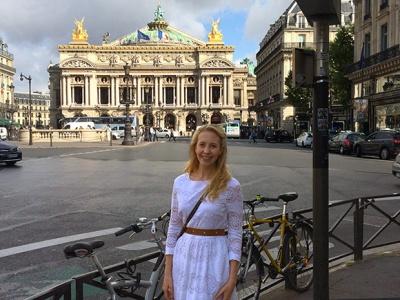 Outside-Opera-National-De-Paris