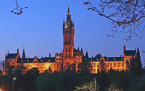 Glasgow-University-At-Night