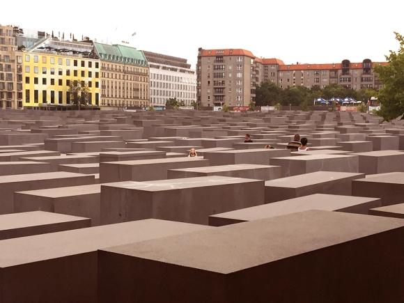 Halocaust-memorial